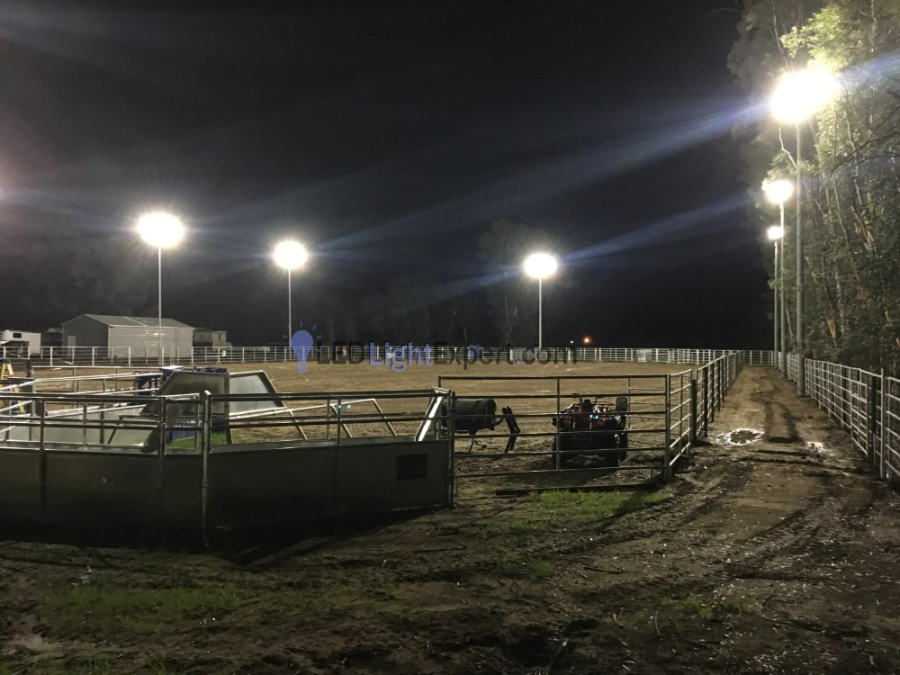 Horse Arena Led Lighting 16 Of Our 300 Watt Area